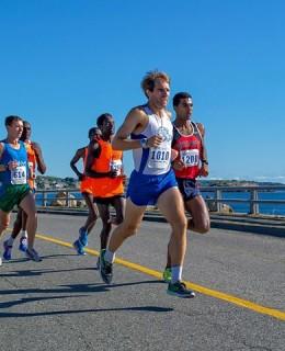 Jenkins leads Sanca (R) at the Lone Gull 10K. Photo by Scott Mason.